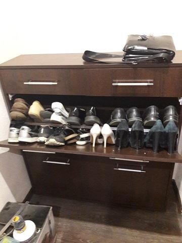 Верхняя полка для мелкой обуви.