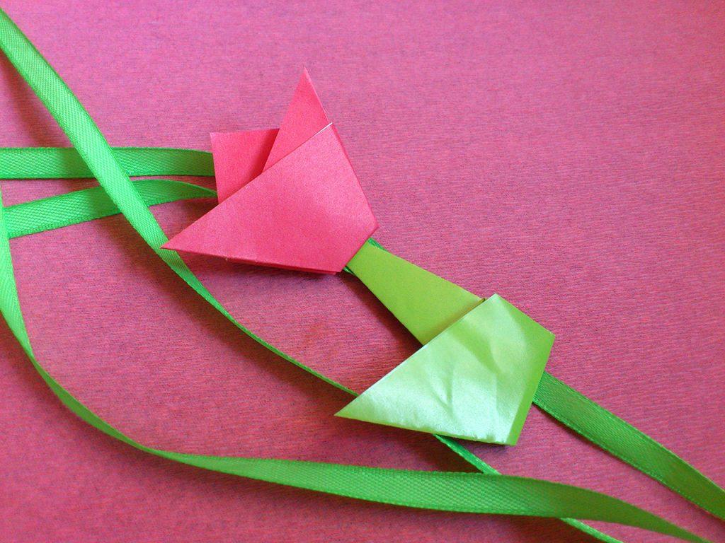 Делаем оригами тюльпан из бумаги по инструкции