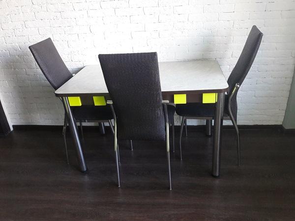 Стол и стулья для кухни лайм с венге