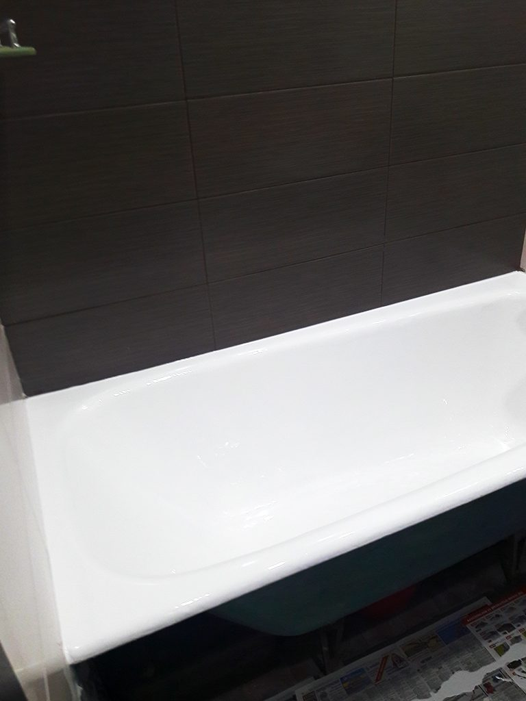 Ванна после заливки жидким акрилом